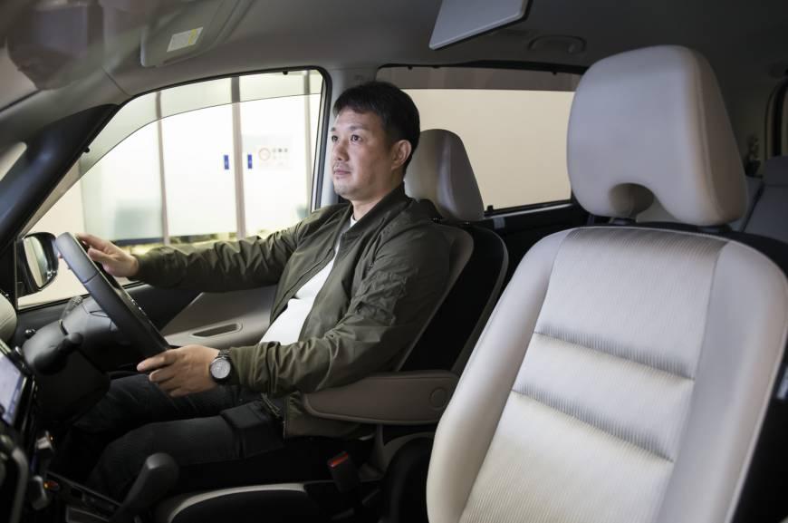 Nissan ganha conversos no Japão com ¥ 3 milhões de motorista de minivan