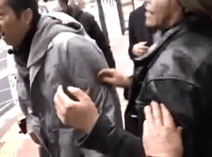 Un comportement considéré comme inacceptable peut provoquer une soudaine explosion de violence