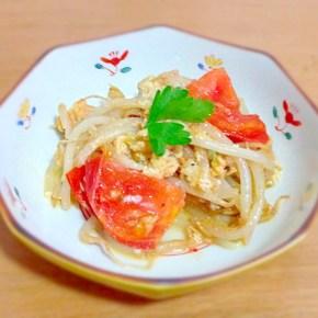 Itamemono de viande végétarienne ベジタリアンミート、野菜、卵の炒め物