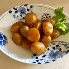 Amakarani de pommes de terre nouvelles 新じゃがの甘辛煮