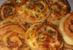 بيتزا حلزونية سهلة وسريعة