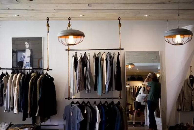 Menos roupas
