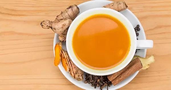 chá de cúrcuma