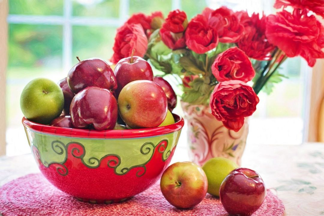 How many varieties of apples are there?