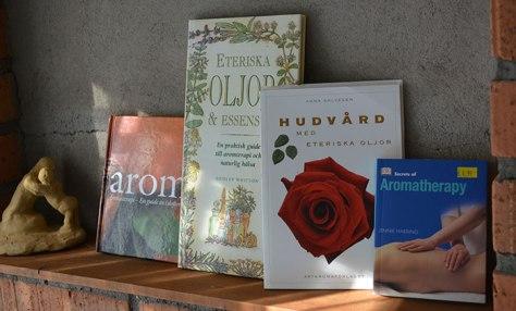 Böcker om eteriska oljor