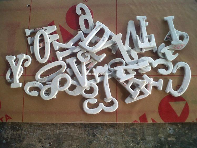 Membuat tulisan di plat besi