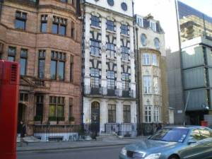 Londra, Sloane Street 64