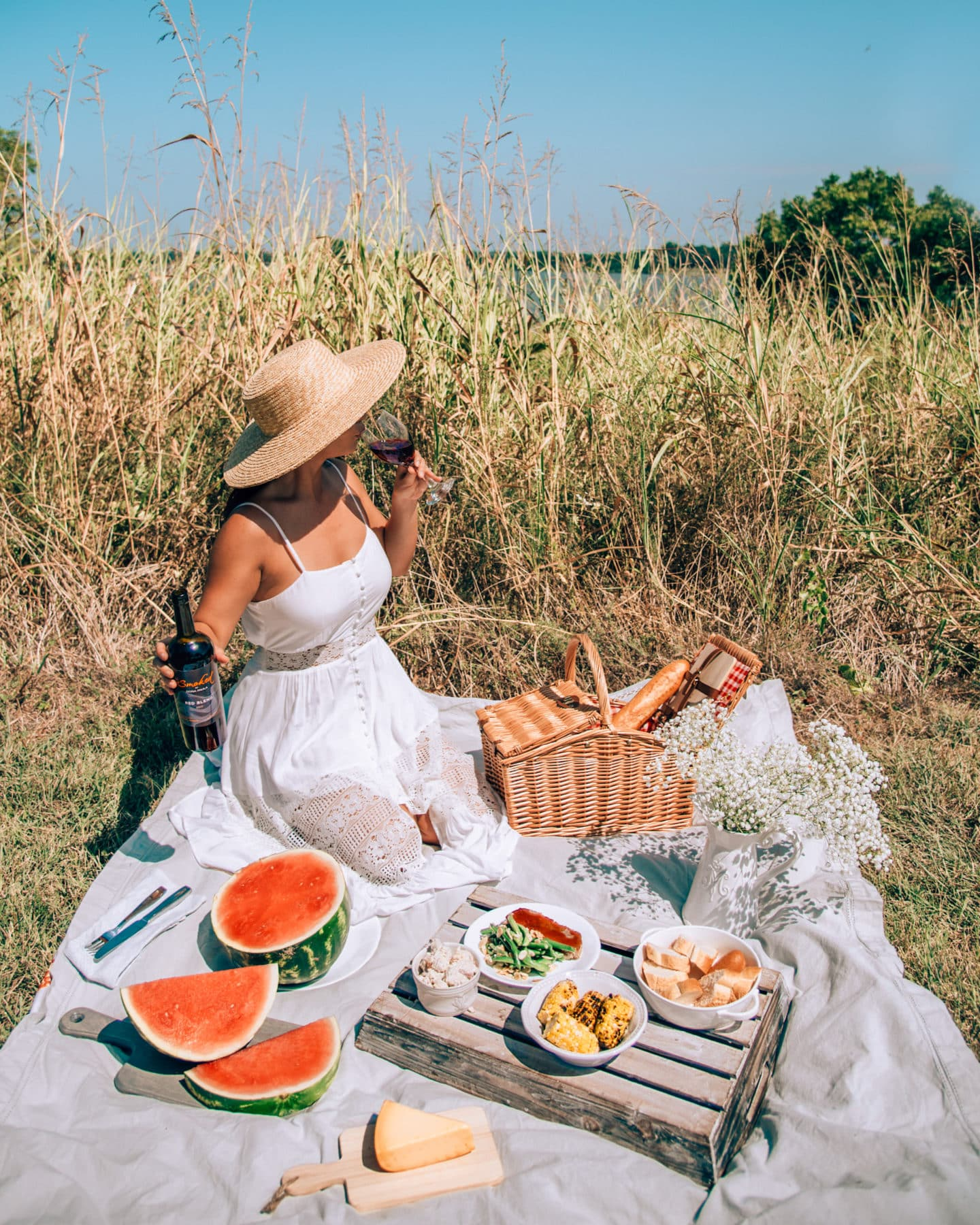 How to Create A Picture Perfect Picnic for Instagram