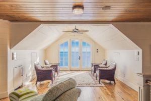 4 Reasons to Upgrade to Hardwood Flooring