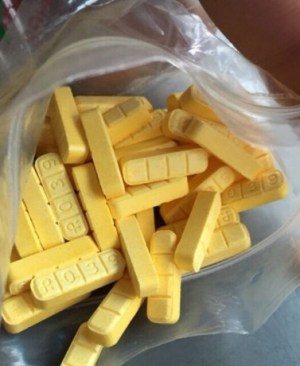 Xanax yellow bar R039 2mg