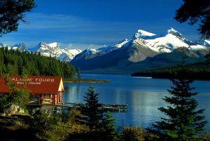 Maligne Lake Chalet