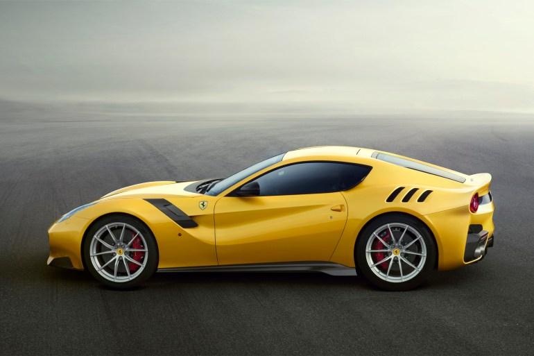 Nieuwe Ferrari F12 TdF Slide 5