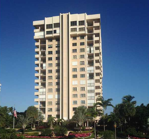 "Sea Ranch Club ""B"" condo in lauderdale by the sea is on the ocean front, for sale"