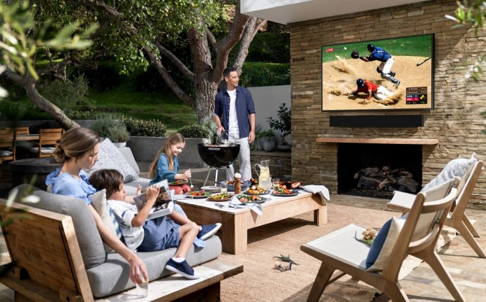 Samsung Bawa Home Entertainment ke Luar Ruangan lewat The Terrace