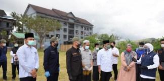 Gubernur Khofifah Pantau Langsung Penanganan Klaster Covid-19 di Ponpes Darussalam Banyuwangi