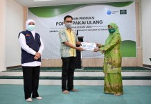 Khofifah Apresiasi Muslimat NU Surabaya Kolaborasi dengan Common Seas salam Atasi Sampah Popok Sungai Brantas