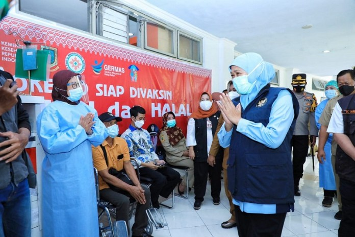 Gubernur Khofifah Apresiasi Klinik Vaksinasi RSUD Dr. Wahidin Sudiro Husodo Mojokerto