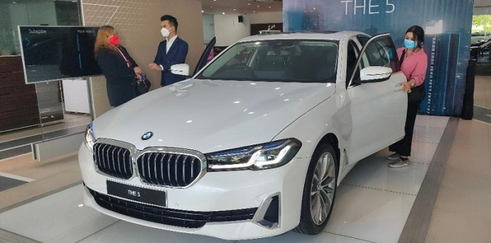 BMW Hadirkan The New 5 yang Makin Canggih