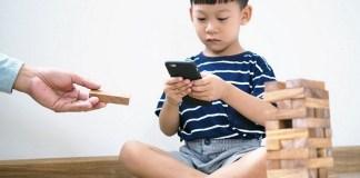 Anak Kecanduan Gadget ? Ini Tips Mengatasinya...