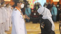 Melantik Gus Ipul, Khofifah; Bupati dan Walikota Sudah Punya Top Mentor