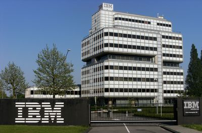 IBM - International Business Machines - midi