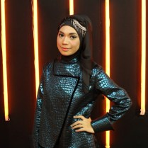 Indah Nevertari Jaket Hijau