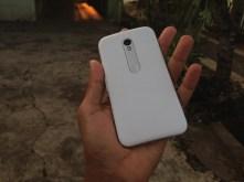Sisi Belakang Motorola Moto G 2015 Putih