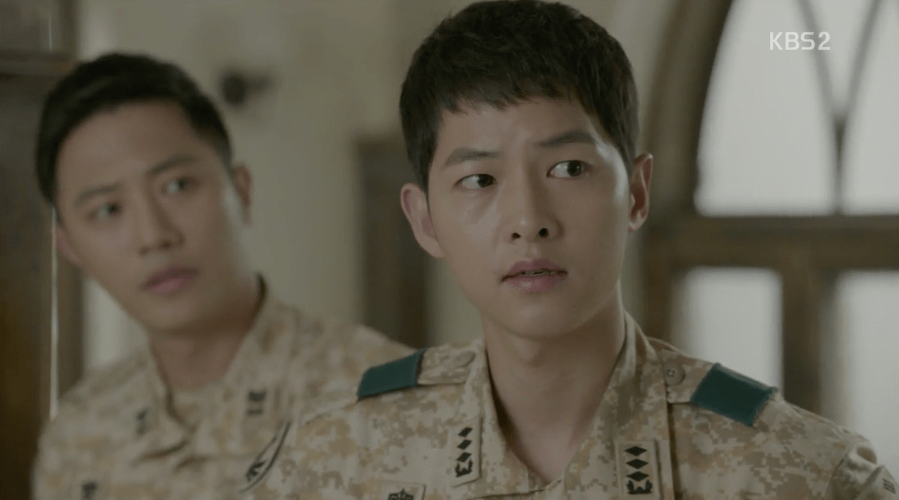 Dua Lead DotS Kapten Yo Si-jin (Song Joong-ki) dan Mayor Seo Dae-young (Jin Goo) Episode 11