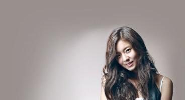 Senyum Ceria Uee Artis Korea