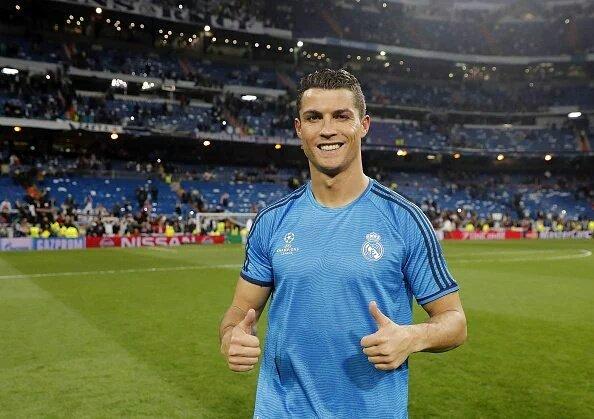 Cristiano Ronaldo Merayakan Kemenangan Atas Wolfburg 2016