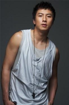 Foto Ganteng Park Gun Hyung