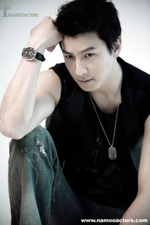 Wajah Cakep Park Gun Hyung