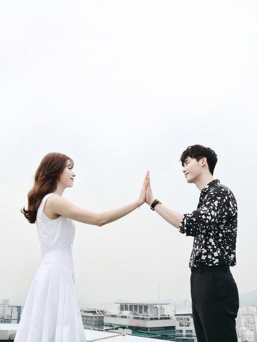 Drama Korea W Two Worlds
