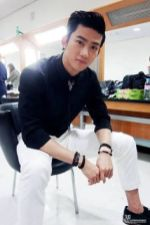 Taecyeon in a Back Stage