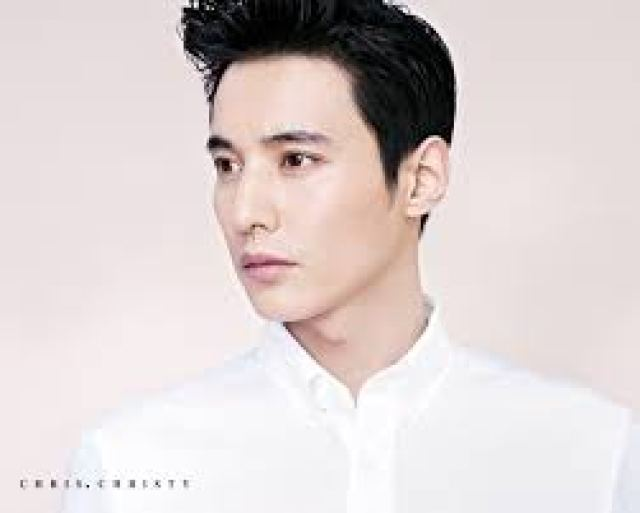 Foto Won Bin is a Real Handsome Man for Jung Il Woo
