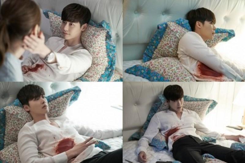 "Behind-the-Scene Shots of Lee Jong Suk in Dramatic Scenes of K-Drama ""W"""