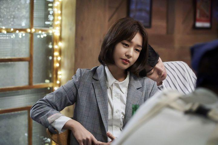 Ahn Eun Jin Sebagai Kim Young Hee