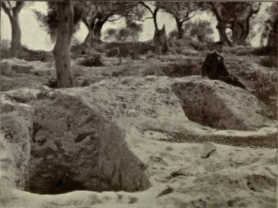 Necrópolis Púnica. With a camera in Majorca - Margaret D'Este (1907)