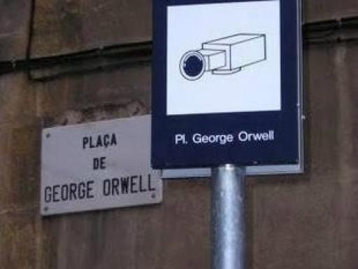 El Gran Hermano en la Plaza George Orwell
