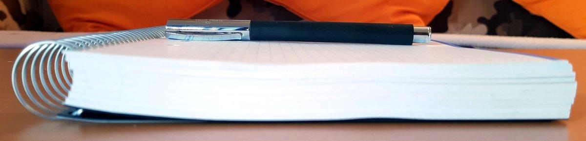 Bandolera y Notebook MIQUELRIUS