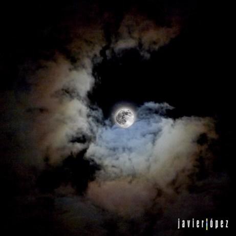 2020 The moon seen from Cala Mayor (Palma de Mallorca. Baleares)