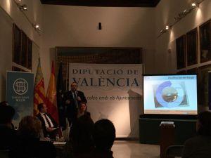 Javier Peris con Bartolomé Nofuentes Diputado de Proyectos Europeos en la Diputación de Valenciana en el Acto de Inauguración de la Semana Europea de Emprendimiento Startup Europe Weekend hablando de Financiación Europea para Startups y emprendedores