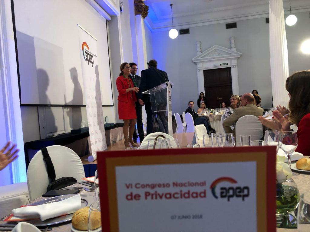 Javier Peris recoge el Premio Medio de Comunicación 2018 que la Junta Directiva de la Asociación Profesional Española de Privacidad APEP le ha otorgado al Programa de Radio Tecnología y Sentido Común #TYSC