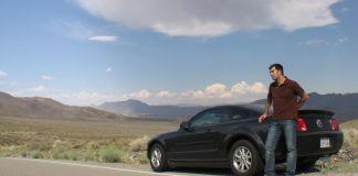 Aquí estoy con el Mustang por el desierto de California (agosto de 2008)
