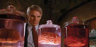 """""""Un genio con dos cerebros"""" (""""A man with two brains"""", 1983)"""