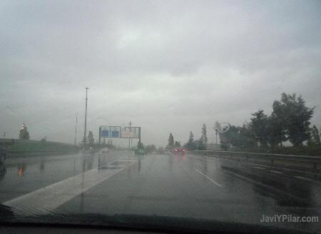 Domingo de Resurrección y tarde de lluvia en Barcelona