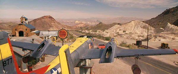 """Los Reyes del Crimen"" (""3.000 Miles to Graceland"", 2001)"