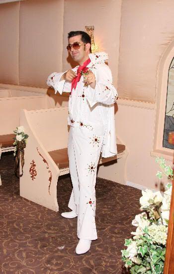 Yo vestido de Elvis justo después de mi boda en Las Vegas