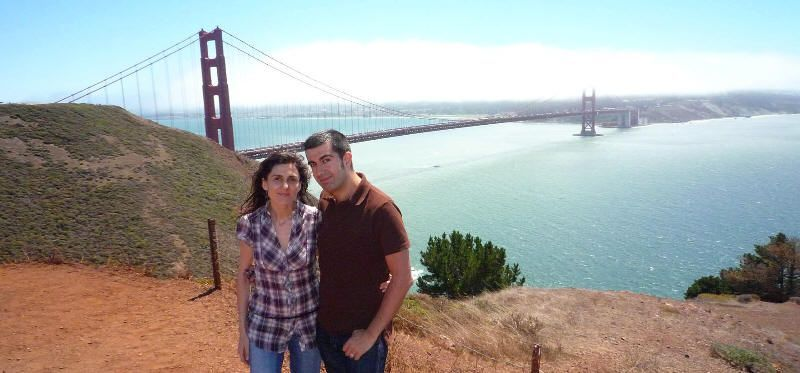 Nosotros con el puente Golden Gate a la espalda (San Francisco, California). Viaje USA agosto 2009
