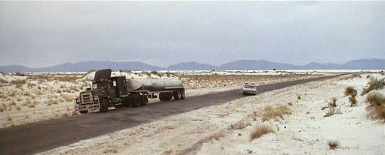 "Convoy en Arenas Blancas (White Sands, Nuevo México).""Convoy"" (Sam Peckinpah, 1978)"